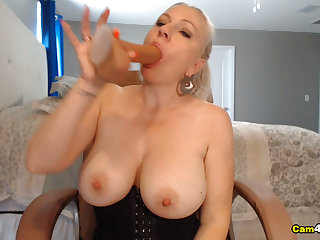 Pretty Babe Neighbor Gives Wonder For Her Viewers