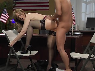 Tight mature fucked at the office by the original guy