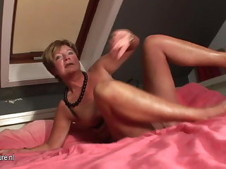 Amateur housewife squirting all abstain from her bounds