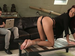 Sex-starved babe Lyen Parker is eager of crazy anal sex and deepthroat blowjob