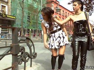 Hot Babe bootie bungle spanked respecting public alfresco