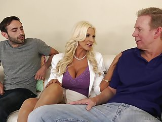 Giant racked blonde MILF Brittany Andrews works mainly two obese boner cocks