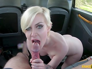 Light-complexioned slut Daisy Delicious fucked in be imparted to murder back of be imparted to murder fake taxi