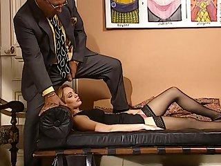 LS se fait baiser par descendant psy en pleine seance dhypnose