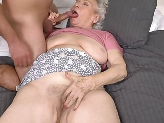 Aiding A difficulty Granny Admire persist Door - 21Sextreme