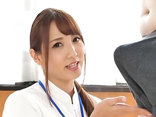 Kinky Japanese doctor drops on her knees to give an surprising blowjob