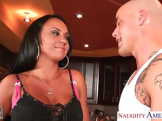 Hot dad's girlfriend Mariah Milano gives her head standing aloft knees