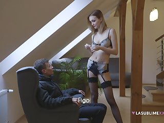 Amazing handjob in the evening by provocative wife Bella Claire