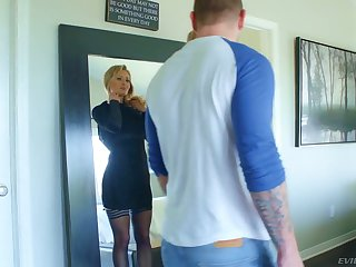 Nasty blonde with undiluted curves Natasha Starr gets her slit rammed
