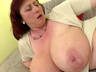 Mature queen mom nearly big tits and hungry cunt